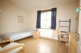 Single rooms in student flats close to Edinburgh College, Napier, HW