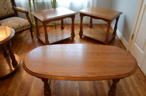 Beautiful Solid Oak Coffee/2 End Tables-Excellent Condition!!