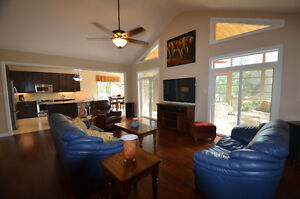 GORGEOUS BUNGALOW - 31 South Harbour Drive, Bobcaygeon, ON Kawartha Lakes Peterborough Area image 4