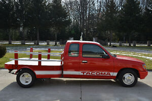 1995 Toyota Tacoma SuperCab Dually Flat Bed Truck London Ontario image 2