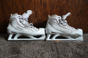 Mens Bauer One 100 SpecialEdition Goalie Skates Size 13.5