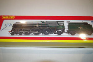 Hornby oo Scale loco / Model Train