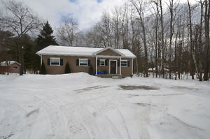 BEAUTIFUL COUNTRY HOME! 7222 HWY 35, Coboconk, ON