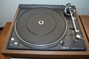Wood Grain Dual 606 Direct Drive Turntable Record Player