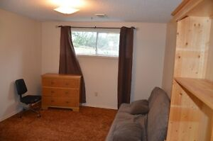 Rooms for rent in town Edson