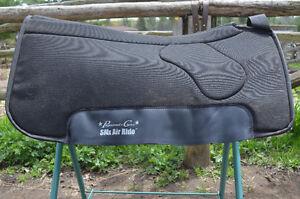 CAMPBELLFORD - Used Saddle Pads, Show Blanket, Halter & Lead