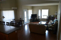 Top Floor 2 Bedroom & 2 Bathroom w/ LOFT near all amenities
