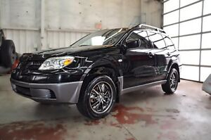 2005 Mitsubishi Outlander AWD  Perfect for Winter -Can sell ASAP