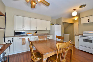 Large 3 bd house, South London, with a pool, great price London Ontario image 2