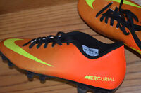 KIDS SOCCER SHOES/CLEATS SIZE 8.5