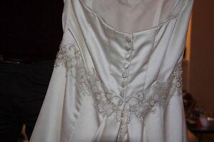 100% Silk Designer Dress Kitchener / Waterloo Kitchener Area image 1
