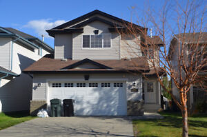 1758 sqft house in Foxboro, Sherwood Park for rent