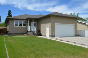 REDUCED! 2012 Bungalow,beautifully updated,wheelchair accessible