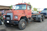 1980 Mack Tandem Truck (For Parts) w/ Roll Off & Winch