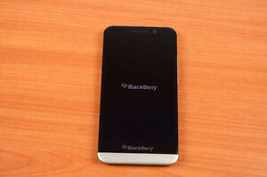 BlackBerry Z30 - 16GB - black (Unlocked) GOOD CONDITION with ch
