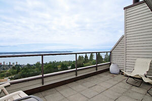 Panoramic views West Van Townhouse-like condo for SALE North Shore Greater Vancouver Area image 9