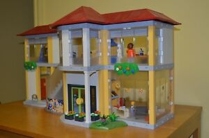 Playmobil #4323 Large School COMPLETE!!! Condition is MINT!! Cambridge Kitchener Area image 7