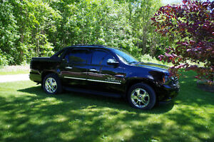 2009 Chevrolet Avalanche LTZ Texas Addition Pickup Truck