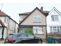 DSS WELCOME. FABULOUS 2 BEDROOM FLAT LOCATED IN HENDON