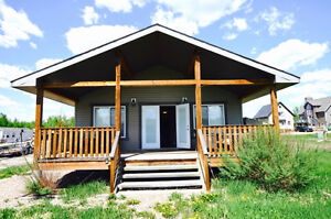 Buffalo Lake is a 5 minute walk, beautiful interior in this home