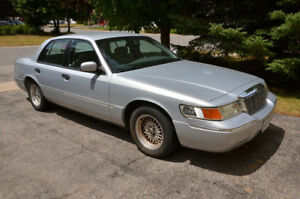 2002 Mercury Grand Marquis GS - BARRIE