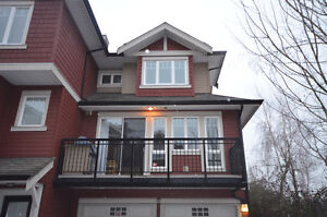 Luxurious and Spacious Townhouse in Mclennan North, Richmond