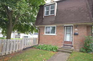 3 Bed Condo Townhouse w/Fully Fenced Yard - 3A Prince of Wales