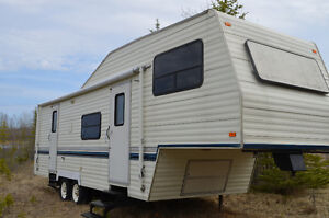 Beautiful 30' Terry 5th Wheel