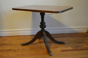 Small Duncan Phyfe Style Coffee Table