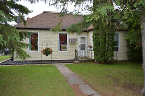 OPEN HOUSE - Spacious 2 Bedroom Bungalow in Teulon