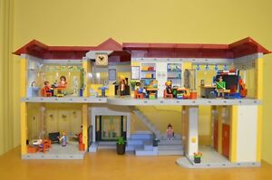 Playmobil #4323 Large School COMPLETE!!! Condition is MINT!! Cambridge Kitchener Area image 8