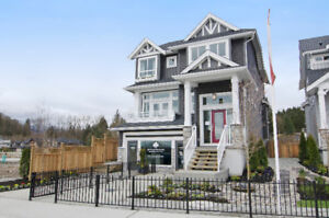FULL NEW HOUSE close to Douglass, Sprott Shaw College, greenbelt