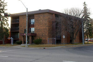 1 Bedroom LRT to UofA University and Downtown GREAT INVESTMENT!