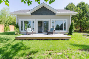 Stunning, newly built, waterfront cottage in French River (Alban