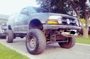 2002 Chevrolet S-10 Zr2 extended cab Pickup Truck