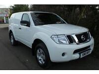 2011 Nissan Pathfinder 2.5 dCi Van 5 door Commercial
