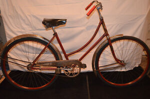 Antique vintage CCM 1949 ladies roadster