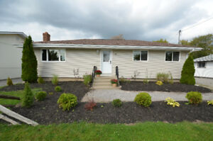 CLOSE TO ALL AMENITIES! 11 DUNN ST, BOBCAYGEON, ON