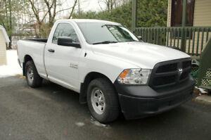Camion Dodge RAM ST 4x2 -- 2013 -- 76 000 km