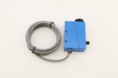 Color Mark Sensor With Supply Voltage 10-30vdc And 2m Cable Bzj-211