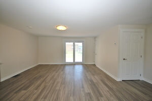 Pretty Renovated Bungalow For Sale in Desirable Neighbourhood Kingston Kingston Area image 3