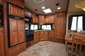 2013 Arctic Fox Fifth Wheel - 27-5L - $48,900