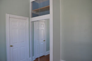 Beautiful 3 bedroom Available as of November 2nd