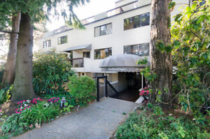RARELY AVAILABLE 2 level condo + Private View Rooftop patio