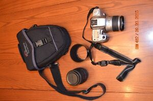 Minolta 35mm panoramic SLR w/extra zoom lens and case