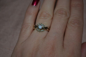 14 Kt, White Gold & Diamond Wedding Set (appraised at $3,460.00) Kawartha Lakes Peterborough Area image 2