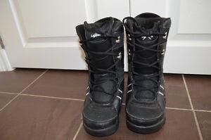Lamar Snowboarding Boots Size 5 London Ontario image 1