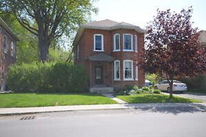 $309,900 - 5 Bedroom House 187 Foster Ave