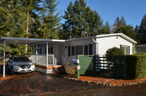 Beautifully Updated 3 Bed/1Bath Co-Op Modular Home