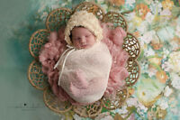 Newborn and maternity photographer